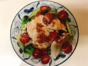 サラダチキンとトマト・ブロッコリープレート